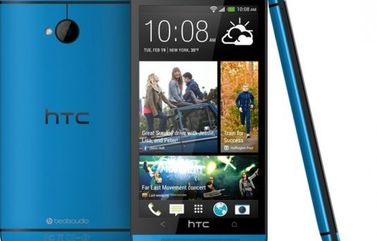 1378696258000-HTC-One-Metallic-Blue-2-